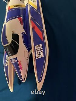 Kyosho Wave Master boat & Motor For Parts Or Repair Vintage Rc Boat