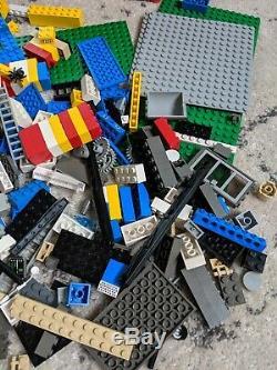 Lego (vintage) Job Lot, Mini Figures, Boat, Base Parts, Wheels, Carry Case