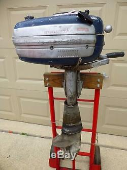 Vintage 1951 Hiawatha 5hp Outboard Motor