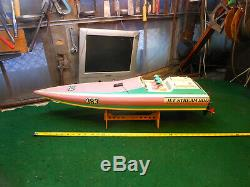 VINTAGE KYOSHO JETSTREAM 800 RC BOAT Looks complete. For parts or repair
