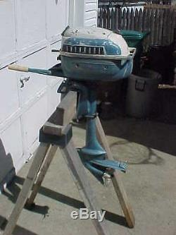 Vintage 3 hp evinrude lightwin outboard motor built in gas for Gas tanks for outboard motors
