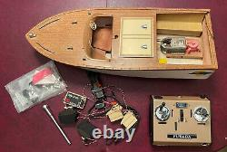 Vintage HTF 22 Cigar Boat withFutaba Model No. FP-T3E Radio Controller/Vtg Parts