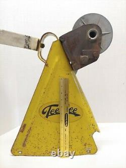Vintage Yellow Tee Nee Boat Trailer Winch for Parts, Restoration or Use